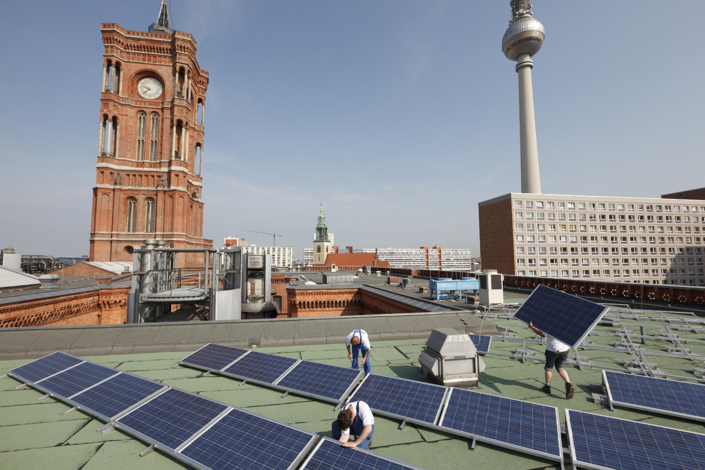 Installation of a PV plant on the City Hall of Berlin
